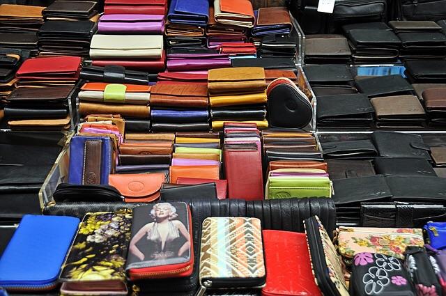 お金が貯まる財布の色