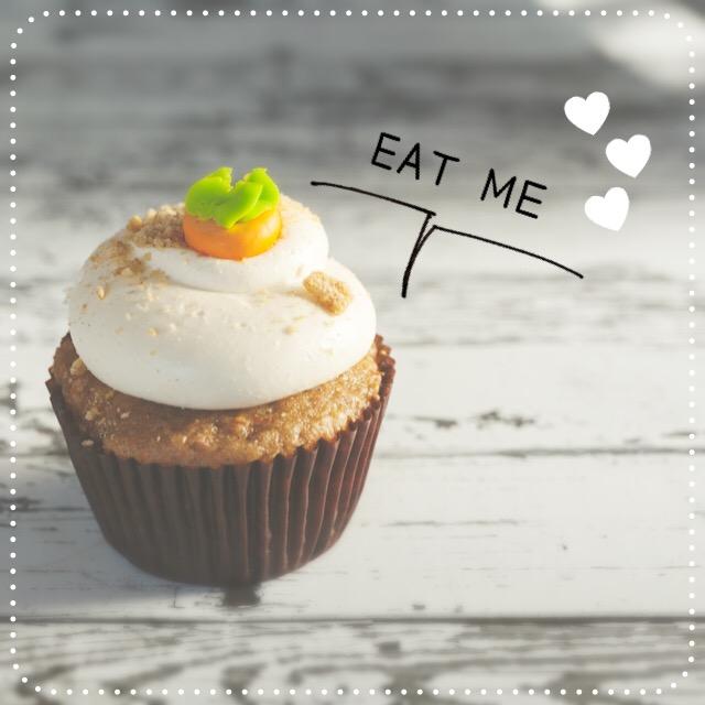 美味しそうなカップケーキの写真画像